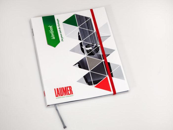 Personalisiertes Buch mit Gummi. u. Einmerkband
